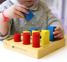 Comment appliquer la méthode Montessori à l'école ? - Femmexpat